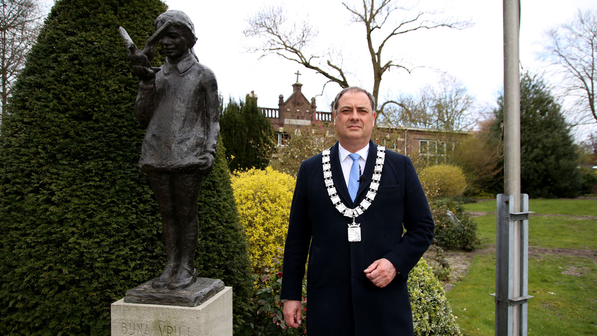 Burgemeester Bouwmeester roept op om ons mooie project te steunen!